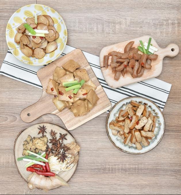 香滷大綜合(豆干+百頁+素雞+蒟蒻) 1